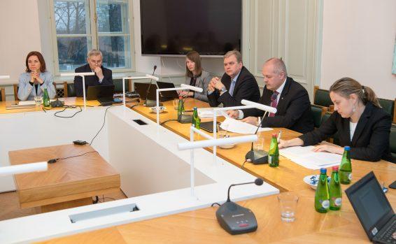 Väliskomisjon sai ülevaate Eesti tegevustest soome-ugri hõimurahvaste toetamisel