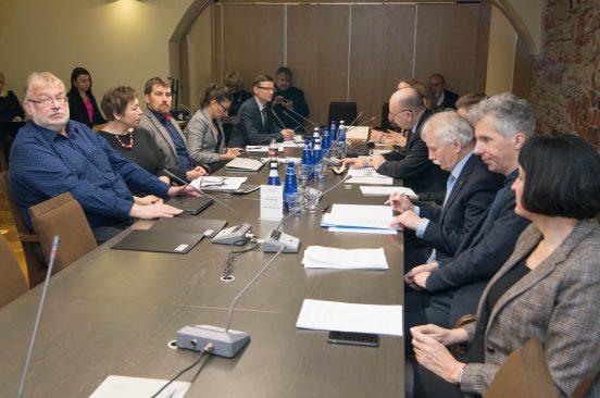 Специальная комиссия обсудила, как в местных самоуправлениях используются субсидии ЕС и другие субсидии на инфраструктуру