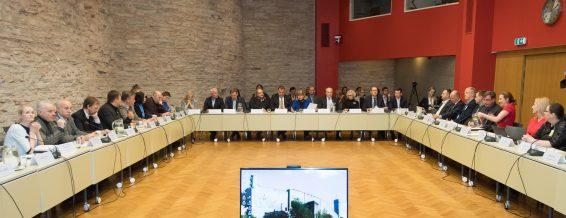 Sotsiaalkomisjoni, majanduskomisjoni, maaelukomisjoni ja rahanduskomisjoni ühisistung konverentsisaalis