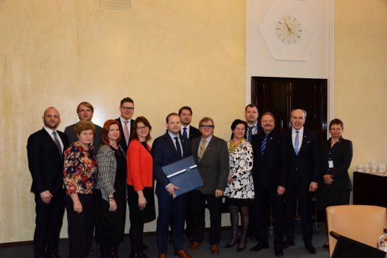Riigireformi probleemkomisjon ja Soome parlamendi tulevikukomisjon