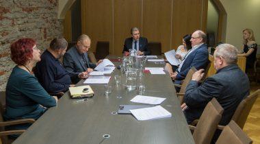 Специальная комиссия обсудила вопросы, связанные с советами коммерческих объединений и целевых учреждений города Таллинна