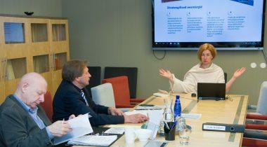 Riigi peaprokurör Lavly Perling põhiseaduskomisjonis. Foto: Erik Peinar