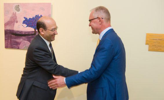 Riigikaitsekomisjoni esimees Hannes Hanso kohtub Armeenia suursaadikuga