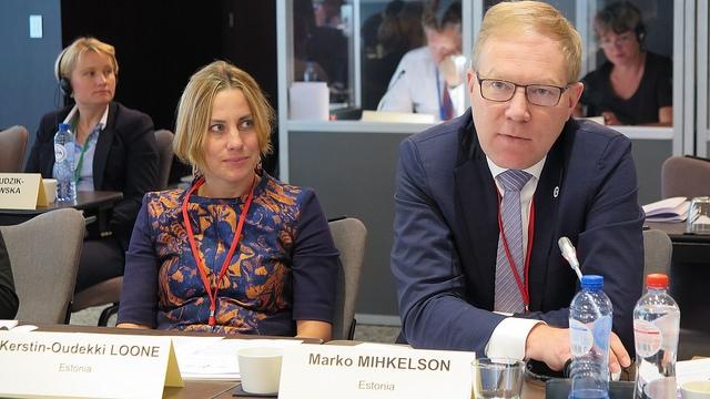 Oudekki Loone ja Marko Mihkelson NATO Parlamentaarsel Assambleel