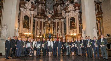 Enn Eesmaa, Johannes Kert, Krista Aru and Erki Savisaar were awarded the Baltic Assembly medals. Photo: Dž. G. Barysaitė