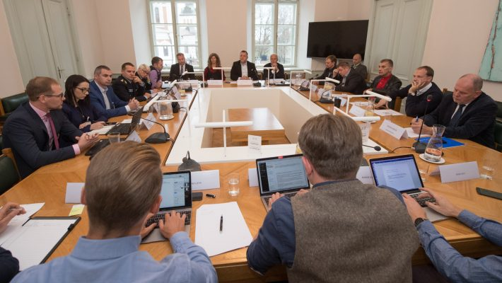 """Majanduskomisjon arutab kollektiivset pöördumist """"Liiklemine jalgratturile ohutumaks"""""""