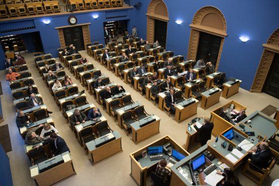 """Olulise tähtsusega riikliku küsimuse """"Rahapesu tõkestamise probleem"""" arutelu. Foto: Erik Peinar / Riigikogu Kantselei"""