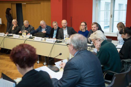 Kultuurikomisjoni avalik istung muinsuskaitseseaduse eelnõu teemal Riigikogu konverentsisaalis. Foto: Erik Peinar / Riigikogu Kantselei