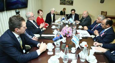 Eiki Nestor ja Keit Pentus-Rosimannus Knessetis. Foto: Miri Shimonovich, Iisraeli välisministeerium