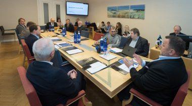 Комиссия по экономике ознакомилась с отчетом мониторинга развития. Foto: Erik Peinar