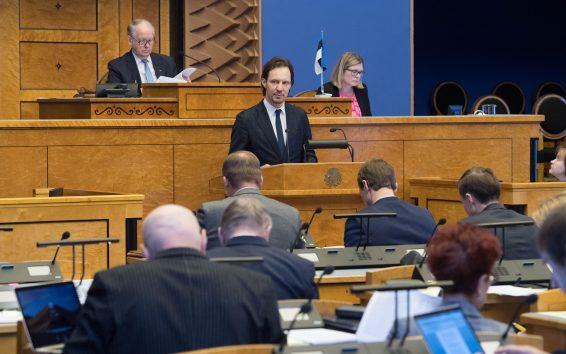 Kultuuriminister Indrek Saar andis ülevaate kultuuripoliitika põhialuste täitmisest. Foto: Erik Peinar