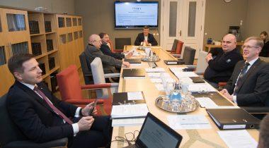 Tanel Talve tutvustas põhiseaduskomisjonile riigireformi probleemkomisjoni otsuse eelnõu. Foto autor: Erik Peinar, Riigikogu Kantselei