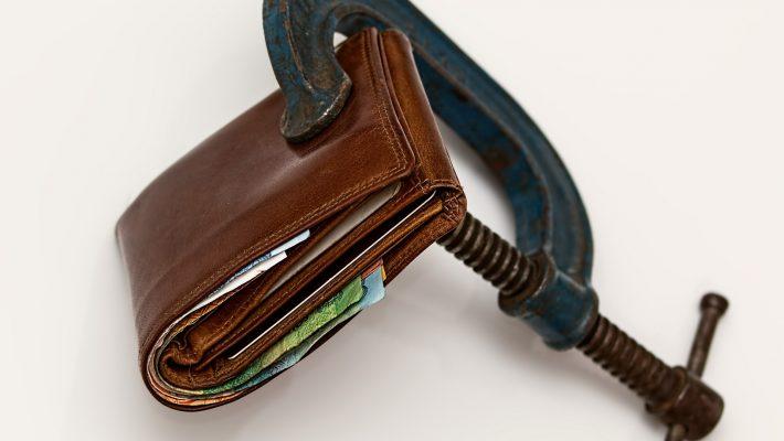 Rahakott tangide vahel. Foto: pixabay.com