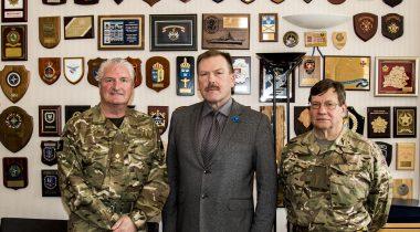 Johannes Kert kohtus briti sõjaväelastega