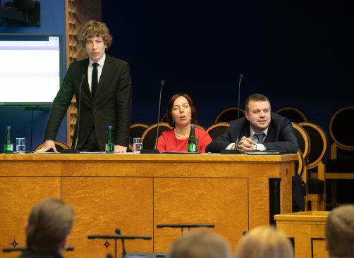 Sotsiaalminister Tanel Kiik, haridus- ja teadusminister Mailis Reps ja välisminister Urmas Reinsalu infotunnis