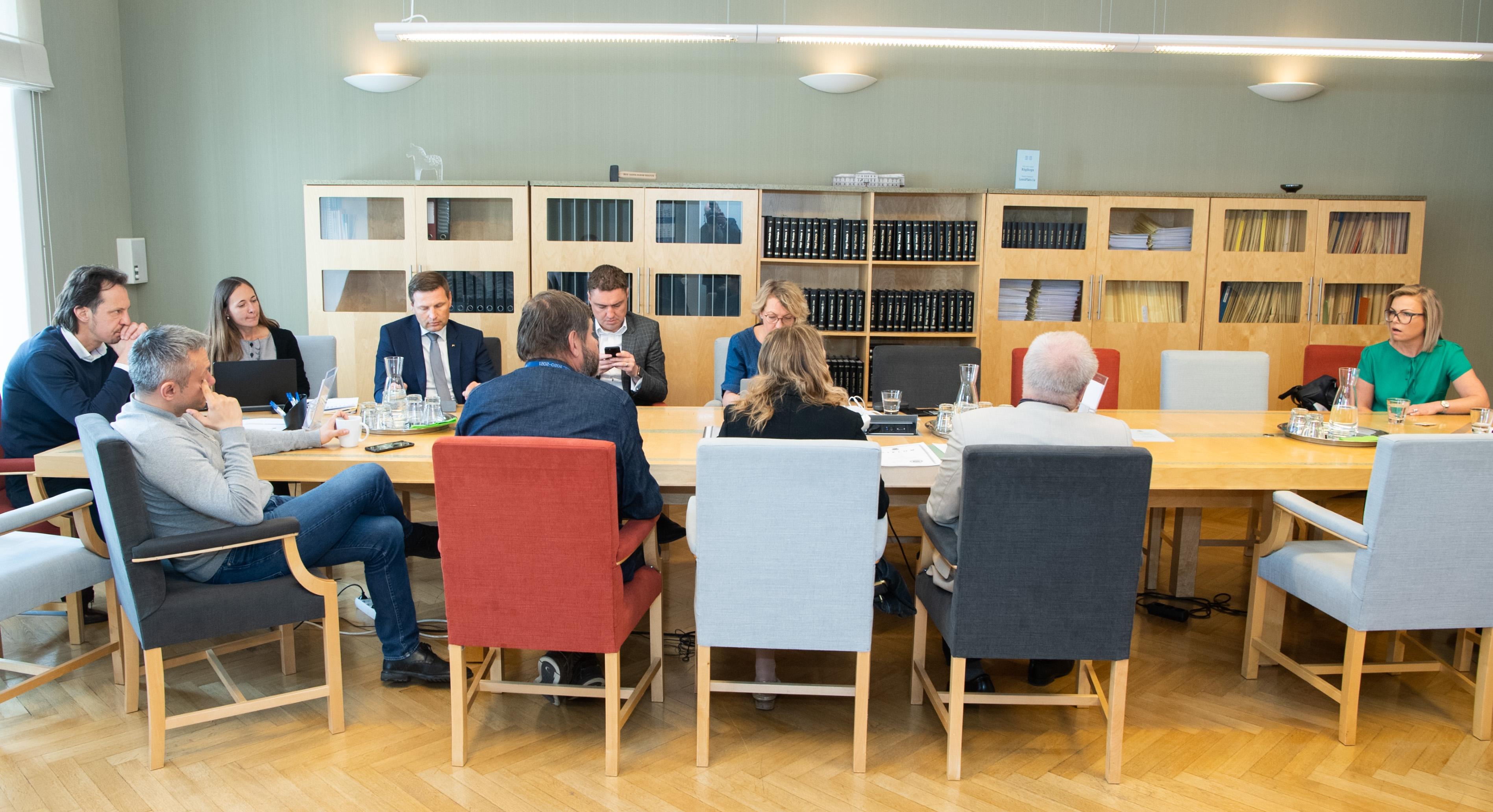 Põhiseaduskomisjon toetas Pille Lehise kandidatuuri AKI peadirektori kohale