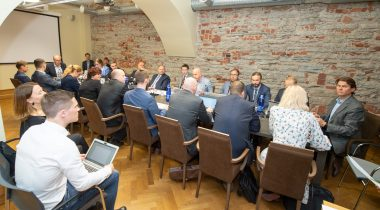 Rahanduskomisjon ja huvigrupid arutavad