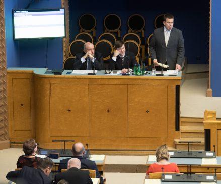 Peaminister Jüri Ratas vastab infotunnis küsimusele eelarve tasakaalust