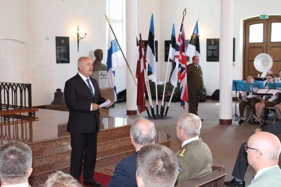 Riigikogu esimeesHenn Põlluaasa peab kõne Võidupüha mälestusteenistusel Eesti Sõjameeste Mälestuskirikus Toris