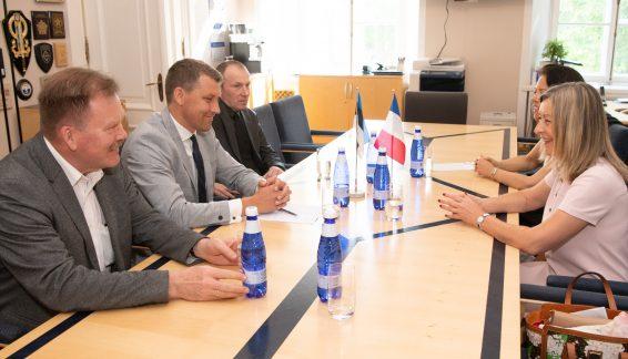 Riigikaitsekomisjon kohtub Prantsuse Senati aseesimehe Hélène Conway-Mouretiga