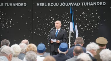 Riigikogu esimees Henn Põlluaas pidas Maarjamäel kommunismiohvrite memoriaalis juuniküüditamise ohvrite mälestuseks kõne