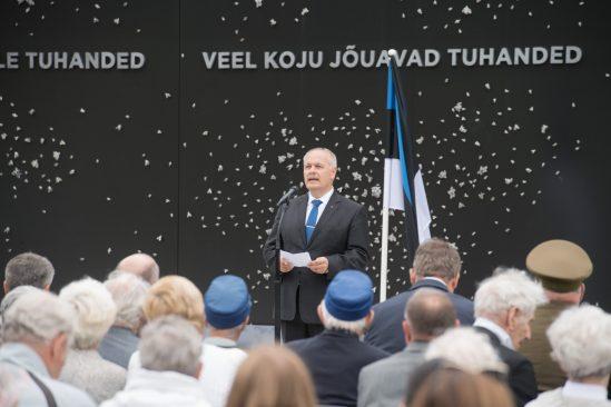 Riigikogu esimees Henn Põlluaas pidas Maarjamäel kommunismiohvrite memoriaalis kõne
