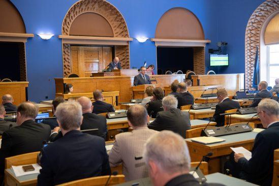 Riigikohtu esimees Villu Kõve annab Riigikogule ülevaate kohtusüsteemi olukorrast