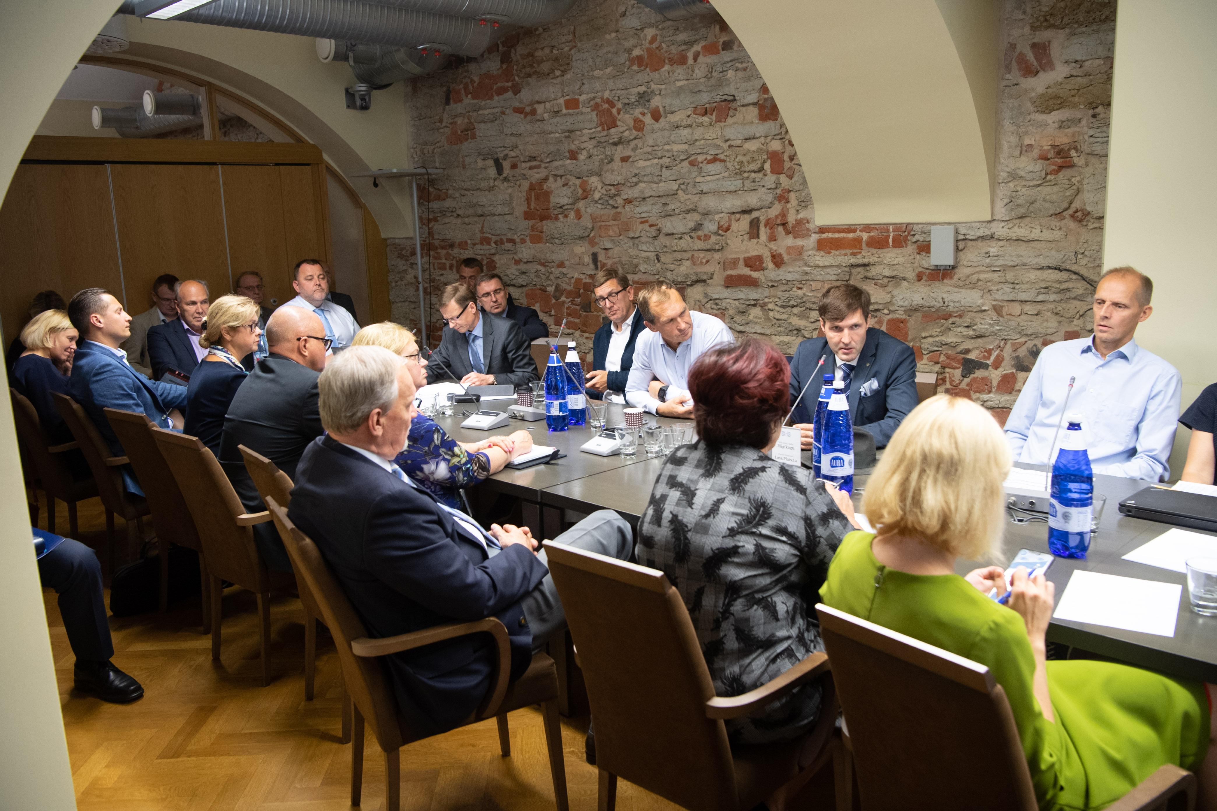 Rahanduskomisjonis ja majanduskomisjonis arutati majandusprognoosi mõju riigieelarvele