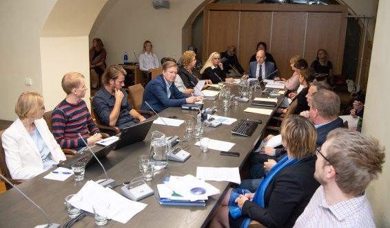 Комиссия по социальным делам. Foto: Erik Peinar