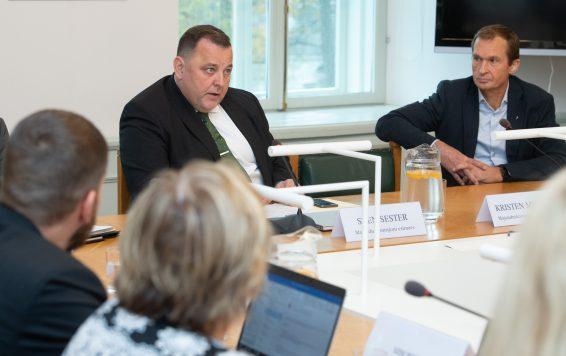 Majanduskomisjoni esimees Sven Sester ja komisjoni liige Jüri Jaanson. Foto: Erik Peinar