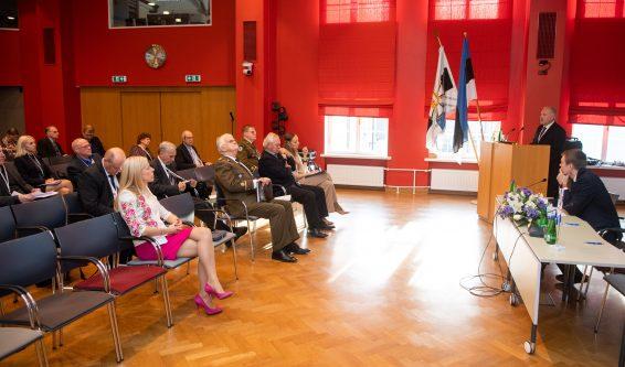 """Riigikogu esimees Henn Põlluaas pidas kõne sümpoosioni """"Riigikaitsekohus, kas ja kuidas"""" avamisel"""