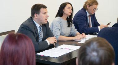 Jüri Ratas ja Anneli Ott Euroopa Liidu asjade komisjoni istungil