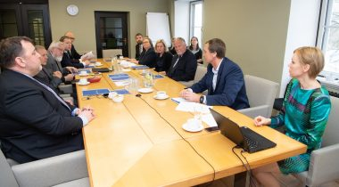 Majanduskomisjoni kohtumine Arenguseire Keskuse esindajatega. Foto: Erik Peinar