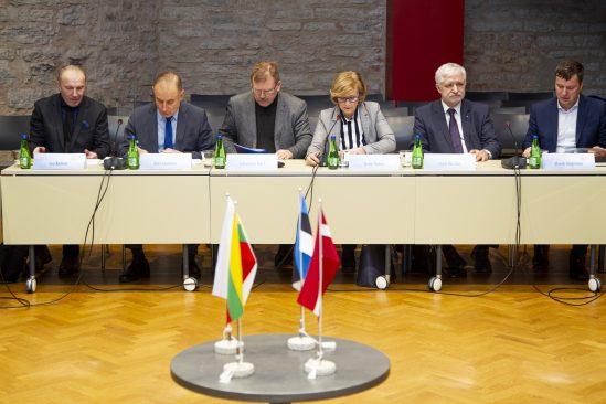 Balti Assamblee julgeoleku- ja kaitsekomisjoni istung. Foto: Veiko Pesur