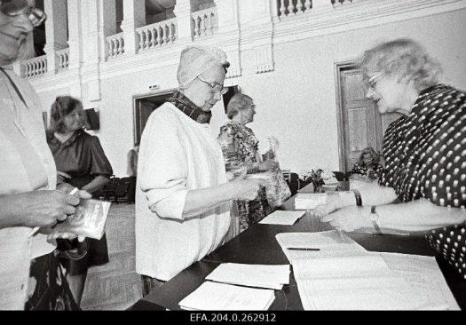 Põhiseaduse rahvahääletus. Foto Tiit Veermäe