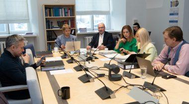 Правовая комиссия поддержала расширение прав добровольцев, оказывающих услуги кризисной информации