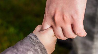 Комиссия по социальным делам одобрила увеличение пособия для попечительских семей. Foto: Pixabay