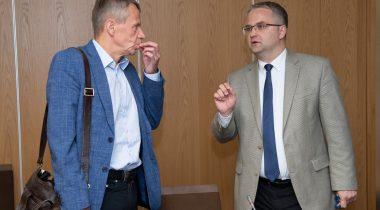 Komisjoni esimees Jürgen Ligi ja Riigikontrolör Hanar Holm