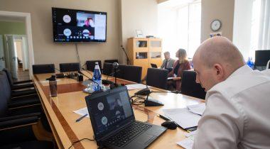 Комиссия по социальным делам ознакомилась с кризисными мерами Кассы по безработице и ее прогнозами на будущее. Foto: Erik Peinar