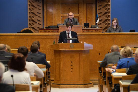 Riigikogu ei avaldanud rahandusminister Martin Helmele umbusaldust