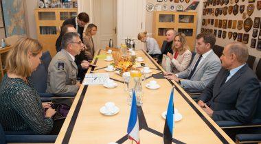 Riigikaitsekomisjoni liikmed kohtuvad Prantsusmaa Kaitseministeeriumi rahvusvaheliste suhete ja strateegia direktoraadi ning regionaalsuhete juhi Philippe Boutinaud'ga