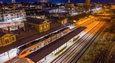 Второе чтение в Рийгикогу прошел законопроект, призванный упорядочить Закон о железной дороге. Foto: Erik Peinar