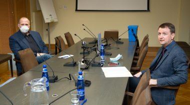Korruptsioonivastase erikomisjoni esimeheks sai Eduard Odinets (SDE) ja aseesimeheks Valdo Randpere (R)