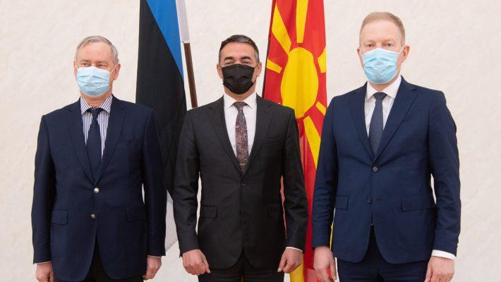 Kallas ja Mihkelson kõnelesid Põhja-Makedoonia asepeaministriga EL laienemisest. Foto: Erik Peinar, Riigikogu Kantselei