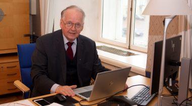 Riigikaitsekomisjoni esimees Enn Eesmaa Põhjamaade ja Baltimaade parlamentide riigikaitsekomisjonide esimeeste videokohtumisel