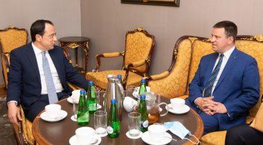 Riigikogu esimees Jüri Ratas arutas kohtumisel Küprose Vabariigi välisminister Nikos Christodoulides'iga kahepoolsete suhete tihendamist