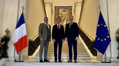 Balti parlamentide väliskomisjonide esimehed Rihards Kols, Žygimantas Pavilionis ja Marko Mihkelson Pariisis