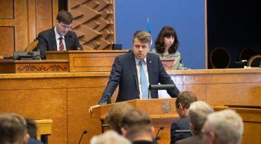 Urmas Reinsalu ja Martin Helme Riigikogu istungil