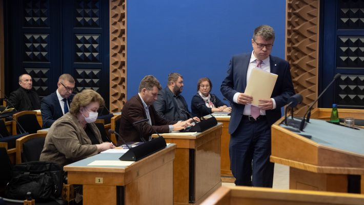 Riigikogu käsitles olukorda koroonaviiruse tõrjumisel, ettekandja Urmas Reinsalu
